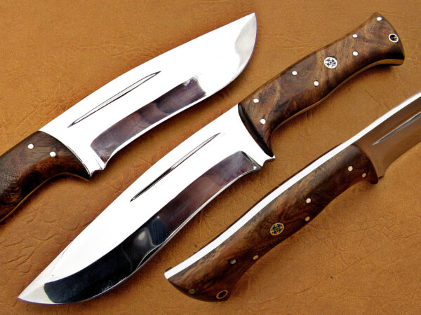 DAMASCUS D2 STEEL BLADE HUNTING KNIFE HANDLE MATERIAL WALNUT WOOD OVERALL 9 INCH