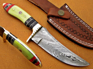 DAMASCUS STEEL BLADE HUNTING KNIFE HANDLE GREEN COLOR CAMEL BONE OVERALL 9 INCH